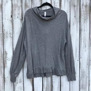 gilligan & o'malley grey hooded slouchy shirt XL